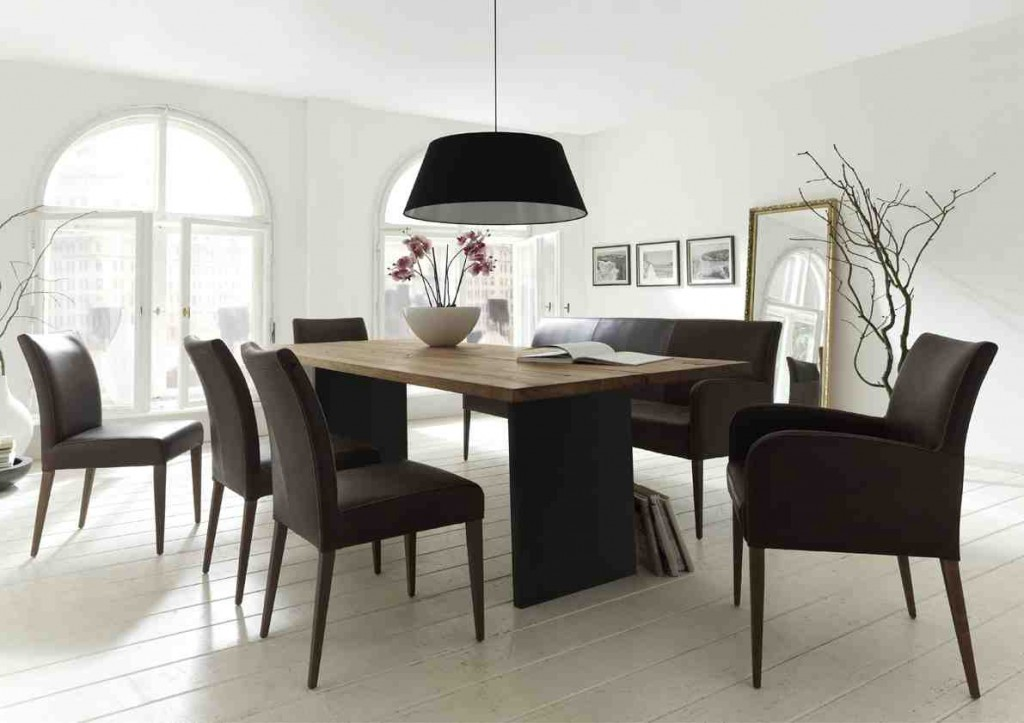moderne stoelen en tafels